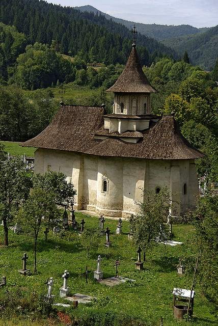 Església als Càrpats / A church in the Carpathians by SBA73, via Flickr