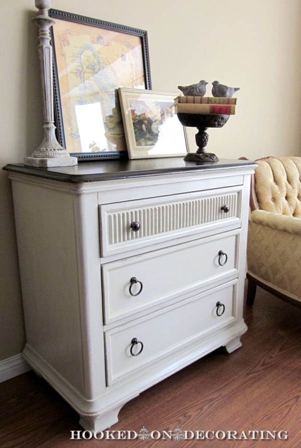 10 best images about dressers chest of drawers chalk - Chalk paint dresser ideas ...