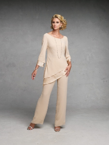 Mother of the bride: Mother Of The Bride, Pant Suits, Mothers, Wedding Ideas, Brides, Pantsuits, Bride Dresses, Beach Wedding