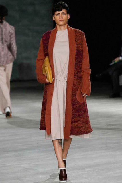 Creatures of the Wind RTW Fall 2014 - When I saw this collection, I doubted my eyes. Long coat and long dress look like a bathrobe and pajama.