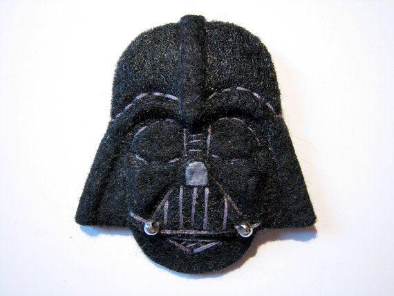 Star Wars Darth Vader Felt Brooch/Pin di ClockworkFishDesign, $13.90