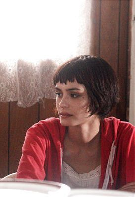 shannyn sossamon (wristcutters)......I love her hair!!!