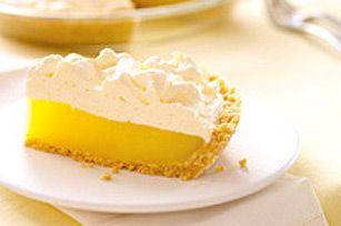 Nous avons simplifié ce dessert classique grâce à une simple croûte de biscuits, de la garniture pour tartes JELL-O et une «meringue» infaillible.