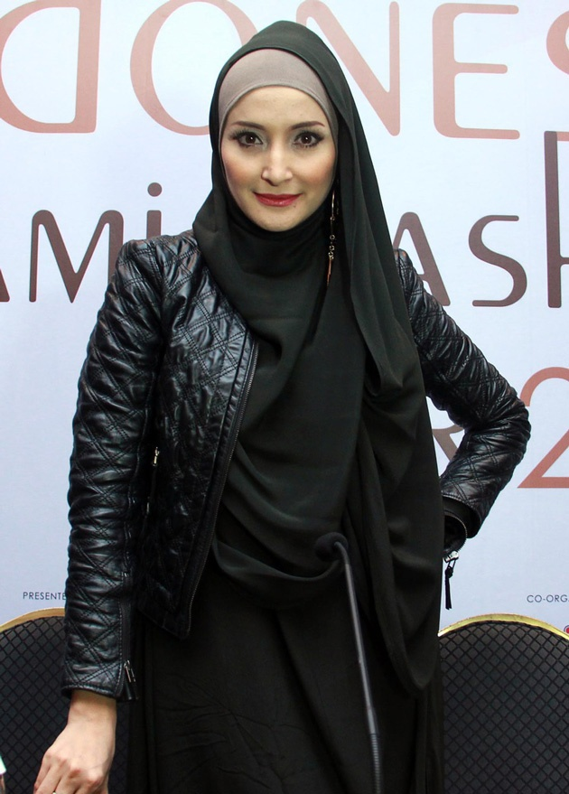 Inneke Koesherawati di Indonesian Islamic Fashion Fair 2013