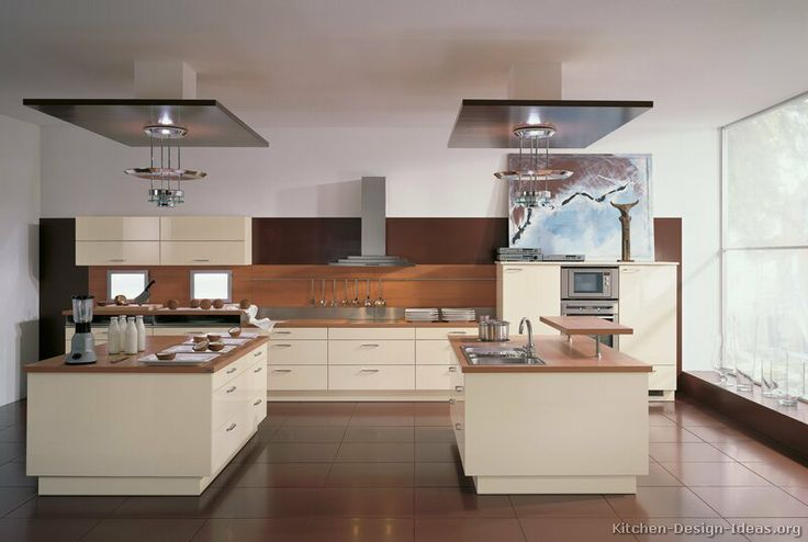 #Kitchen of the Day: Modern Cream-Colored Kitchens. (By ALNO, AG)