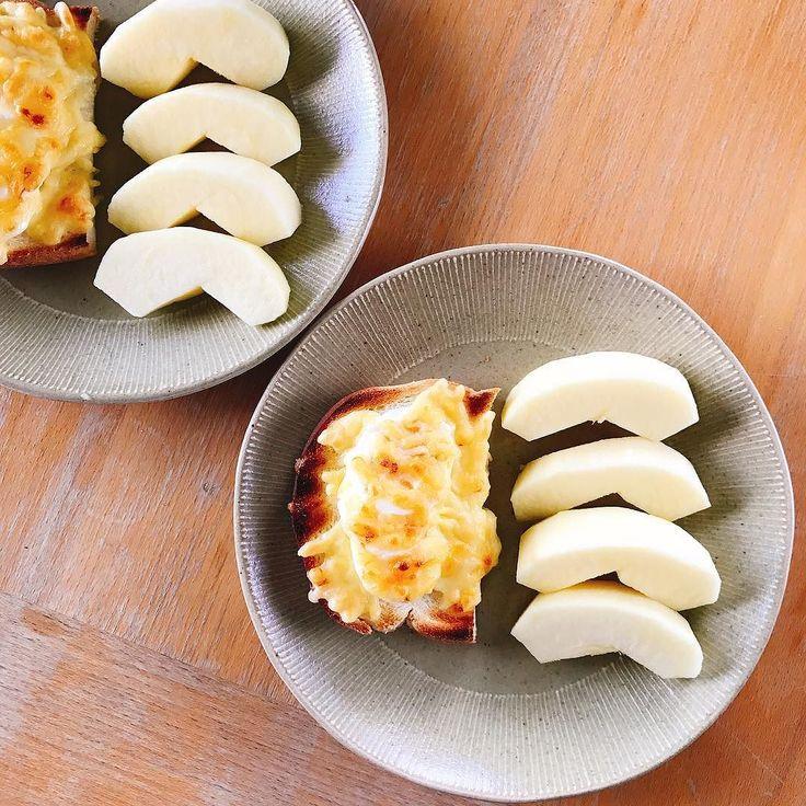 ゆでたマヨチートースト  #egg #cheese #apple #りんご #朝ごはん #breakfast #아침 #petitdejeuner #frühstück #завтрак #desayuno #frukost #早餐 #morning #cooking #朝 #cuisine #요리 #kochen #cookingram #cucina #inmykitchen #foodie #foodpic #instafood #homemade #healthyfood #instagood #20170714 #instagramjapan