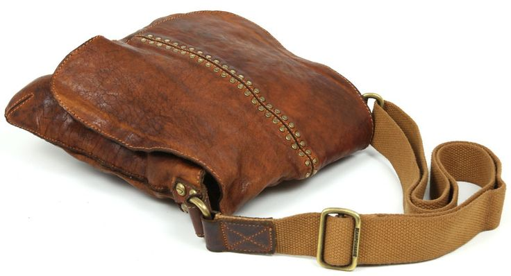 Campomaggi Shoulder Bag Leather 27 cm - C00100VL | Designer Brands :: wardow.com