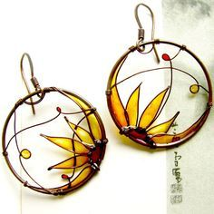 sunflower earrings. copper wire + colored resin.