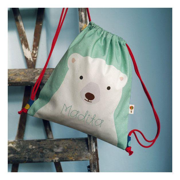 Süßer Turnbeutel mit Eisbär und Wunschnamen, perfekt für die Schulzeit / gym bag for children with individual name and polar bear portrait made by Tell Me via DaWanda.com