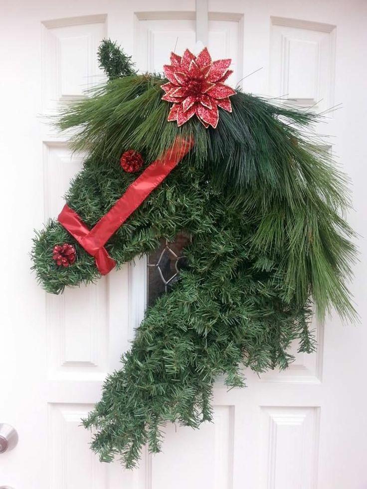 weihnachtlicher Türkranz Pferdekopf