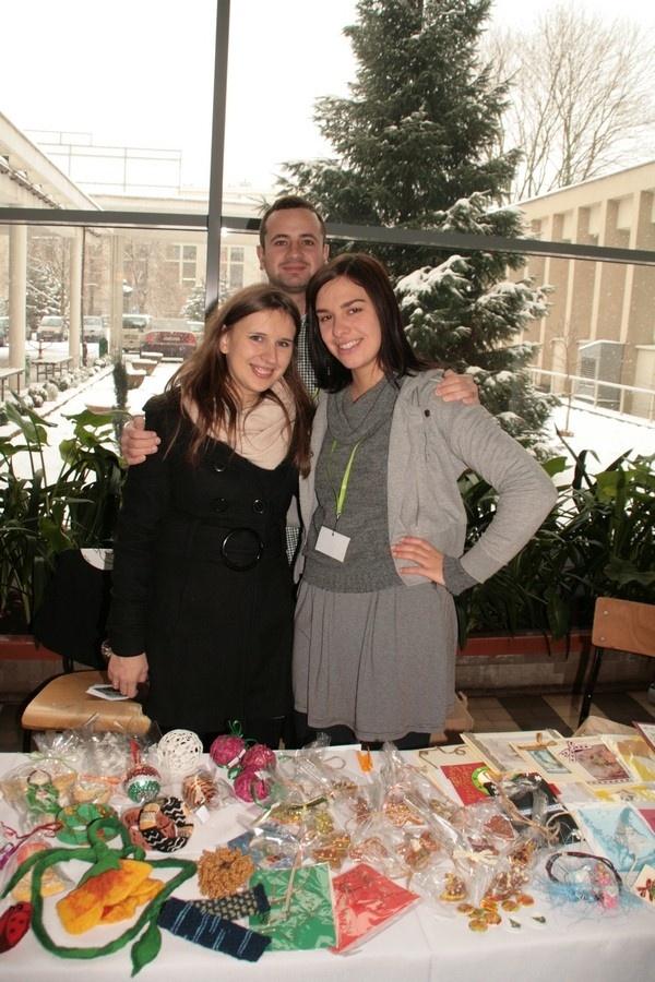 Kiermasz Świąteczny 2012 - Wolontariusze na rzecz Marka! #pomagam
