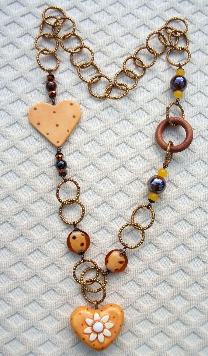 Sunny hearts necklace....38 Euro including shipping to Europe.