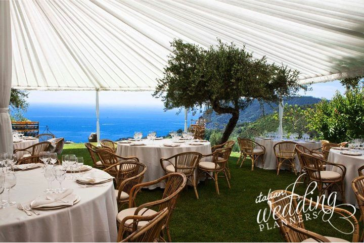 Delivering delightful weddings in Italy for demanding clients all over the world. Italian wedding planners will turn your ideas into a unique event that your guests will talk about for ever! Email our Cinque Terre wedding planners for info: info@italianweddingplanners.com