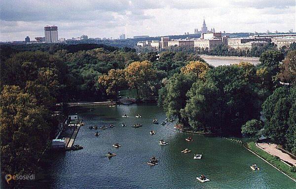 ЦПКиО им. М. Горького – #Россия #Москва (#RU_MOW) За год парк стал самым интересным общественным простанством Москвы.  #достопримечательности #путешествия #туризм http://ru.esosedi.org/RU/MOW/348/tspkio_im_m_gorkogo/