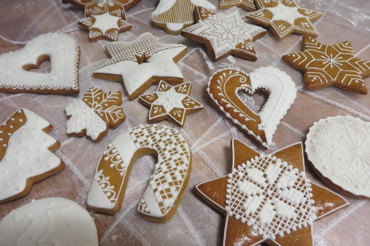 Mix of Christmas Honiees #gingerbread