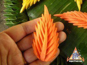 Thai Vegetable Carving: Carrot Flower