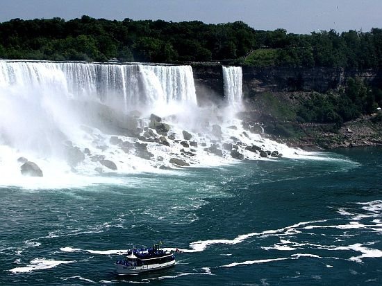 The Maid of the Mist - 15 Things to Do in Niagara on the Lake, Ontario