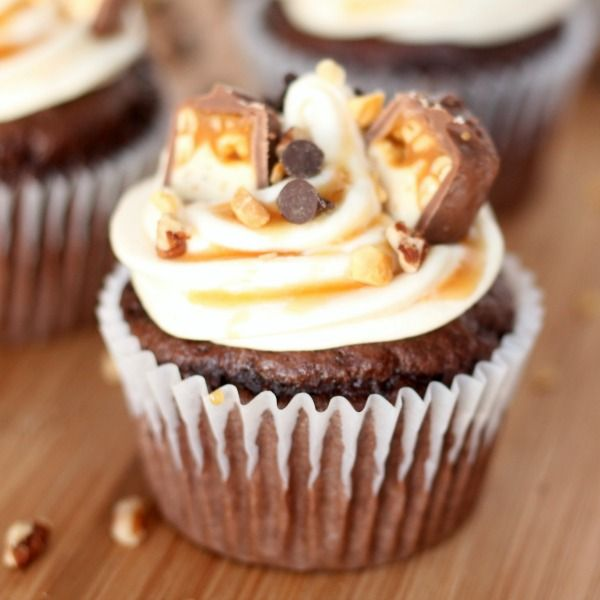 snickers-cupcake-recipe2