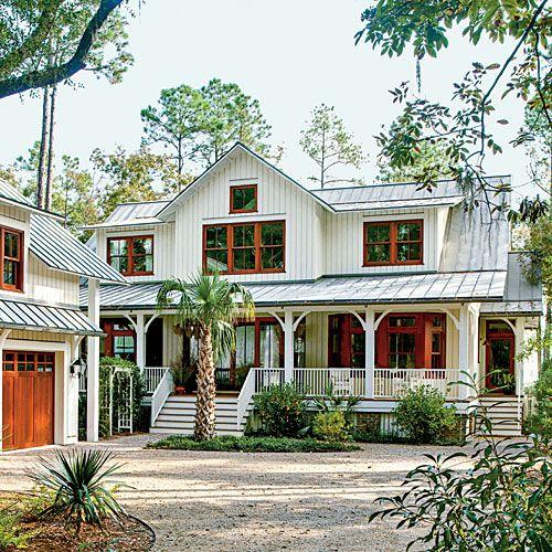 I love this house- looks like a hugh garage as well