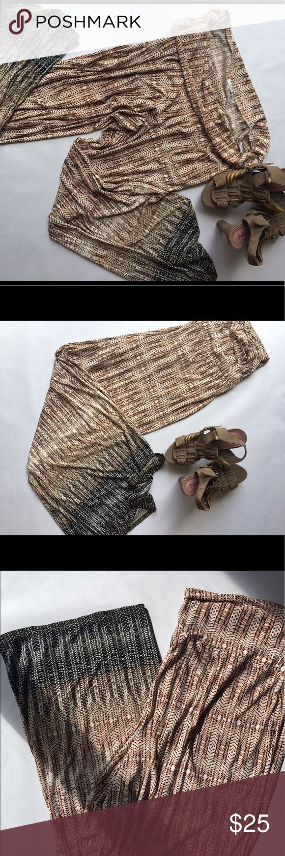 CATO Tribal Print pants EUC. No visible wear. Fun tribal pattern with ombré fade from black to light tan. Fold over waist for added comfort Cato Pants Wide Leg