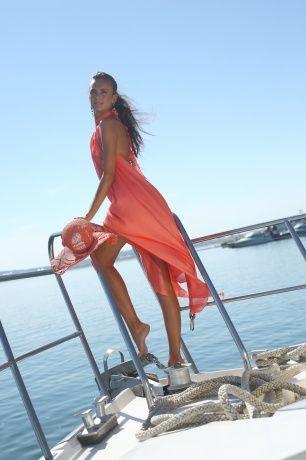 Шёлковое платье-сарафан с открытой спиной,от груди расклешенный, с неровными полами — это то, что надо для жаркого лета. www.bekareva.ru #SvetlanaBekareva #dress #платье #sarafan