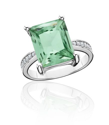 3.5 TGW Green Amethyst Faceted Emerald cut ring #LaRochelle #Solitaire