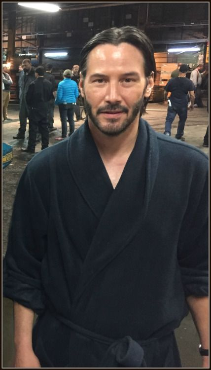 Keanu on the set of JOHN WICK 2 March 4, 2016 John Wick II – Keanu Reeves, Gill…