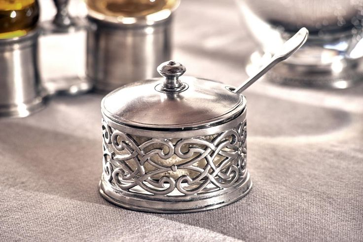 Pewter & Crystal Cheese Bowl - Diameter: 10 cm (3,9″) - Food Safe Product - #pewter #crystal #cheese #bowl #jam #pot #peltro #cristallo #formaggiera #marmellatiera #zinn #kristallglas #käsedose #étain #etain #pot #confiture #confiturier #peltre #tinn #олово #оловянный #tableware #dinnerware #table #accessories #decor #design #bottega #peltro #GT #italian #handmade #made #italy #artisans #craftsmanship #craftsman #primitive #vintage #antique