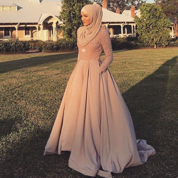 4,445 Likes, 17 Comments - Where fashion meets modesty (@hijabmuslim) on Instagram