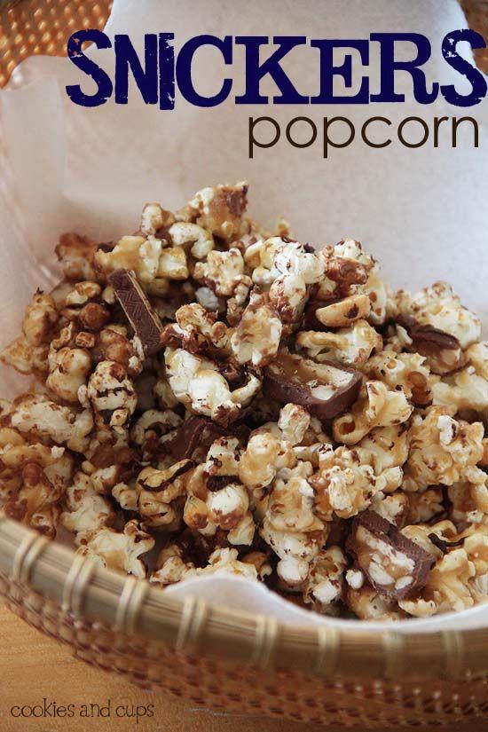 Snickers Popcorn | www.cookiesandcups.com | #recipe #snickers #popcorn