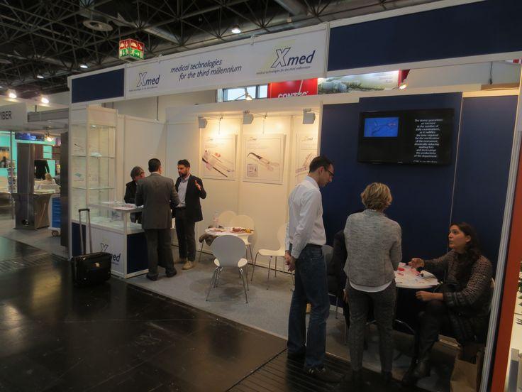 MEDICA - Messe Düsseldorf. X-MED. Ricerca, analisi, promozione e comunicazione. Progettazione e realizzazione dell'allestimento dello stand. Photo by honegger