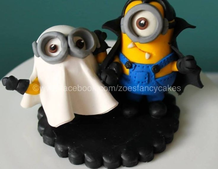 Halloween Minion Fondant Cake Topper by zoesfancycakes