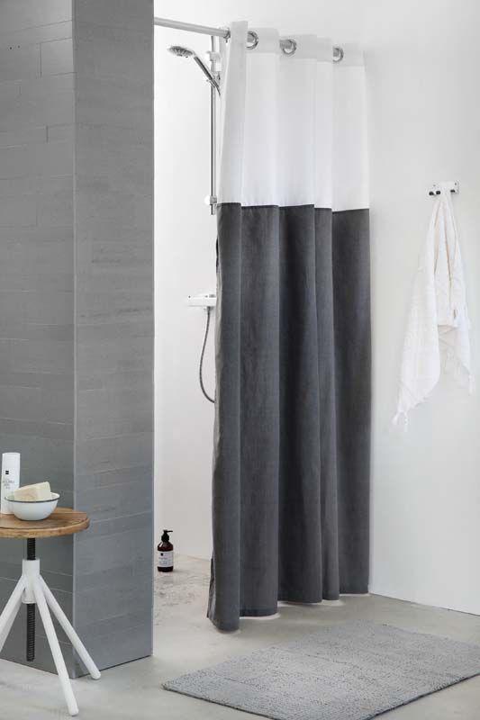 KARWEI   Dit douchegordijn draagt bij aan een stijlvolle uitstraling van de badkamer. #badkamer #wooninspiratie #karwei