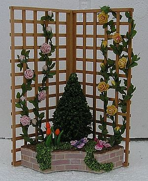 """Midsomer cottage - I m not able to make such beautigul climbing roses - I bought them here on """"www.in-miniature.com"""""""