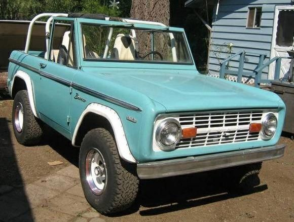 1969 Ford Bronco – turquoise and white paint job #Fordclassiccars