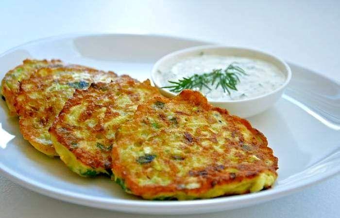 Оладьи из кабачков с чесночным соусом | Recipe | Cooking recipes ...