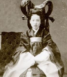 Empress Myeongseong, the last empress of Korea, with keun meori