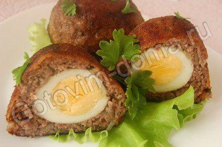 Мясные колобки с яйцом