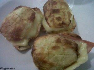 Panini di patate ripiene al forno, ricetta salata