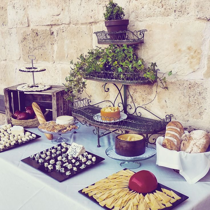 Mesa de quesos cheese corner bodas weddings castillo - Mesa de quesos para bodas ...
