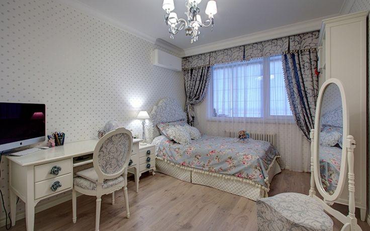 Самые красивые комнаты для девочек №2. Красивая детская комната с подушками в виде сердечек и гардинами на окнах