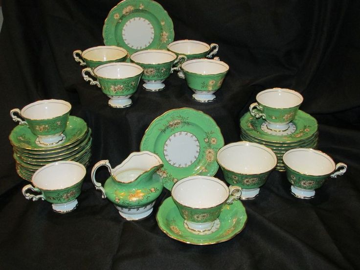 35 piece Antique Spode Copelands China Tea Set early 20th Century  Green Accent Designs