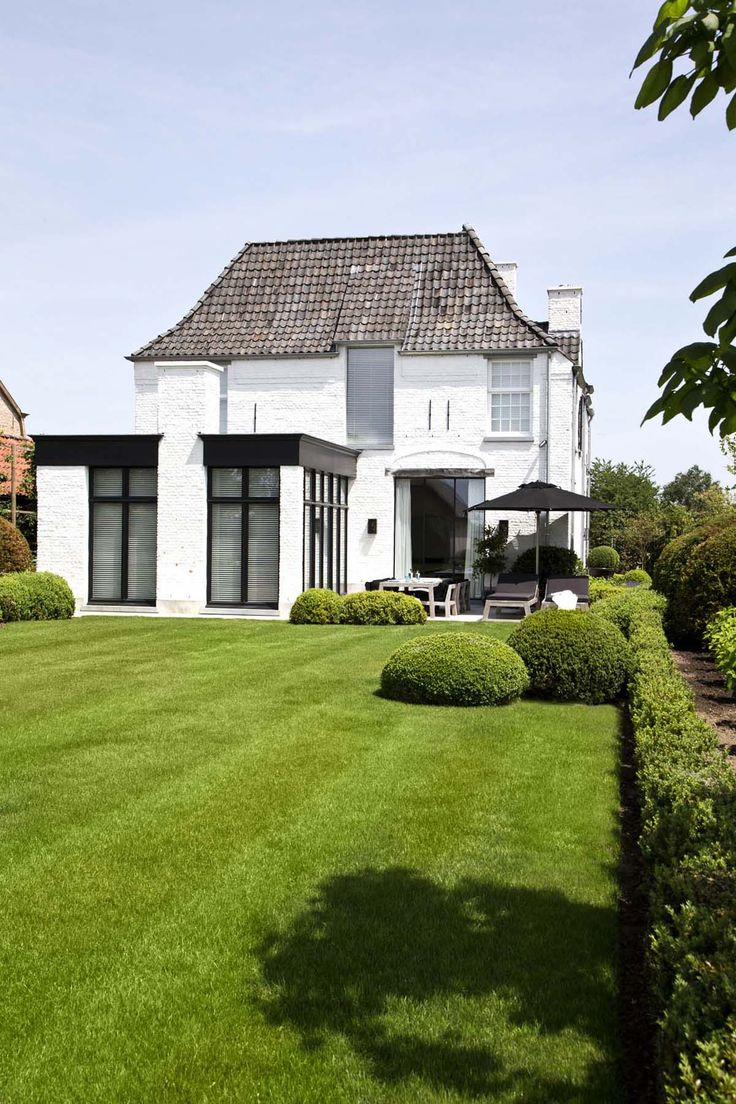 Modern renovation to a traditional house, OSCAR V - Exclusieve Villabouw - Renovatie
