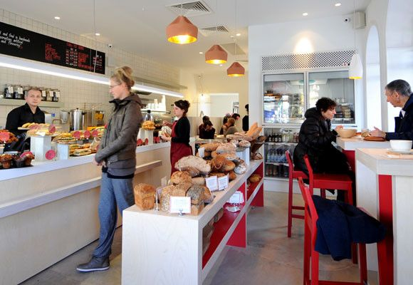 el estilo de la panadería es muy importante , lo que mas importa es buscar la comodidad para el cliente , que se sienta a gusto.