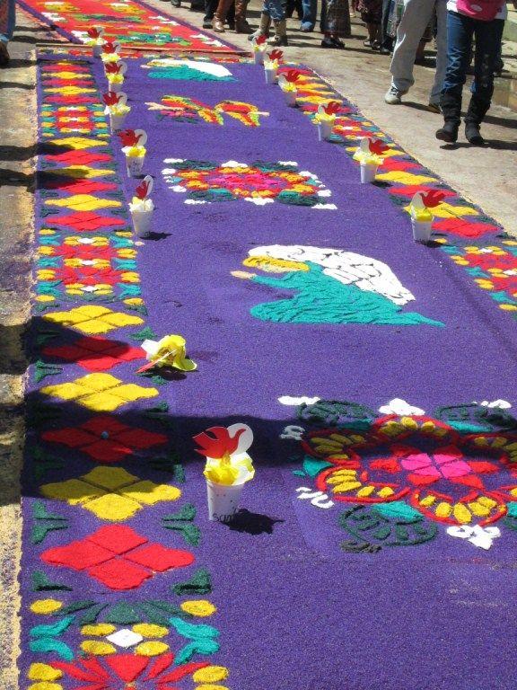 Alfombras de aserr n para el paso de la procesi n de corpus christi 2014 alfombras de colores - Alfombras portugal ...