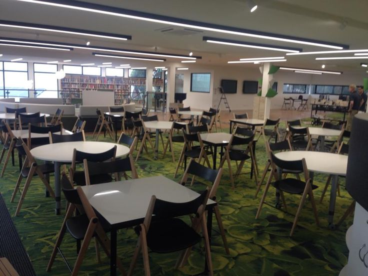CRC Sydenham (Victoria, Australia) Learning Common and classrooms - the new modern secondary school and learning environment