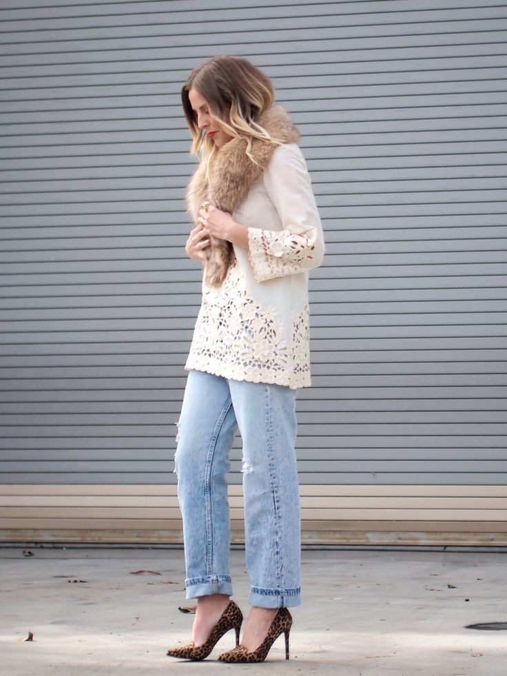 Levi 501s, pumps, fur scarf, bohemian top / B Jones Style