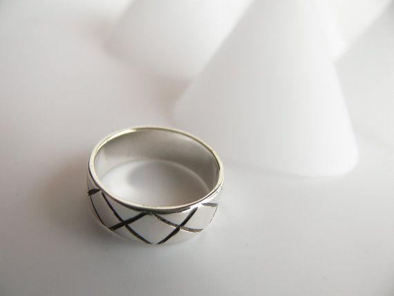 Sterling silver ring with modern criss cross pattern. by Evesbeads, $55.00