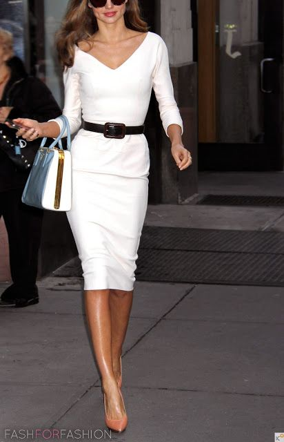 White skirt, white top, wide/medium belt, neutral shoe