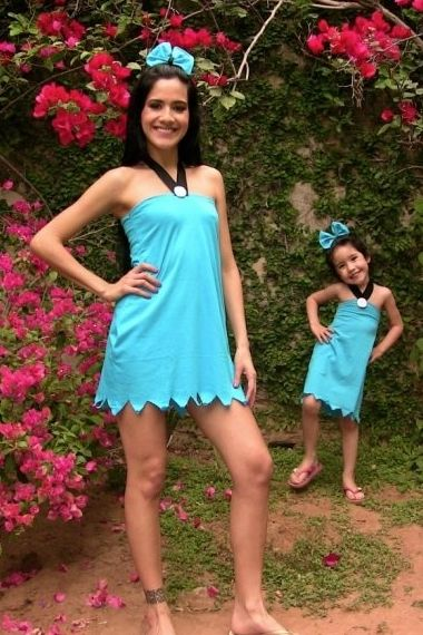 Awesome DIY Betty Rubble Halloween Costume from a t-shirt. #Womens #Halloween #Costumes